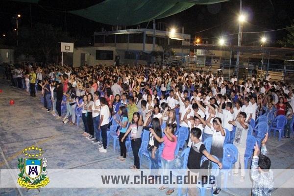 Nuestros estudiantes de Cuarto y Quinto de Secundaria participaron de la Vigilia de Pentecostés